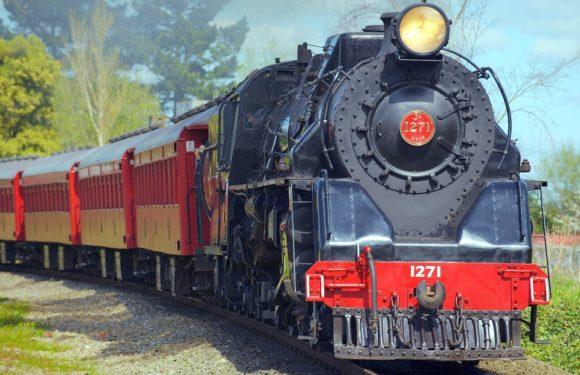 Сегодня 4 августа День железнодорожника. История, поздравления смс, картинки, открытки скачать
